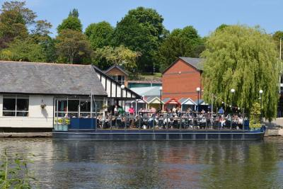 The floating pontoon at the Boathouse Inn