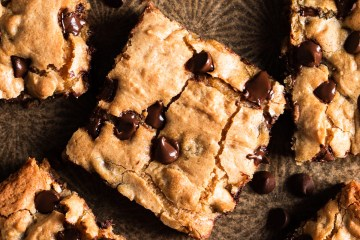 close up of a chocolate chip blondie (congo bar)