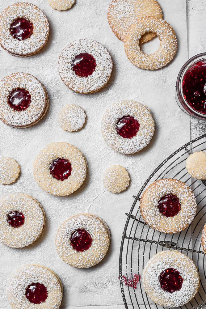raspberry jam filled cookies