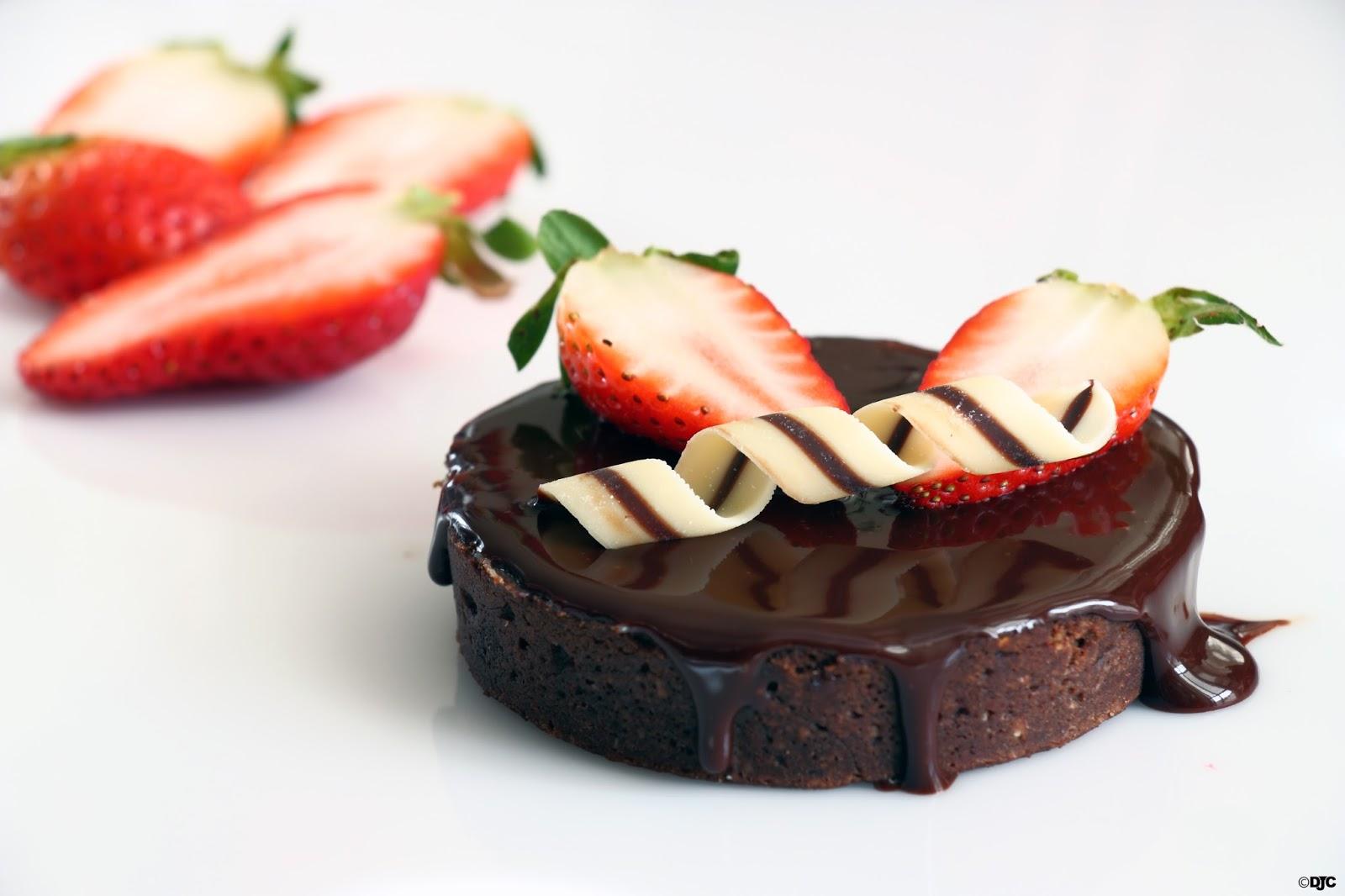 פטיסייר, תותים, שוקולד – מה צריך יותר מזה?