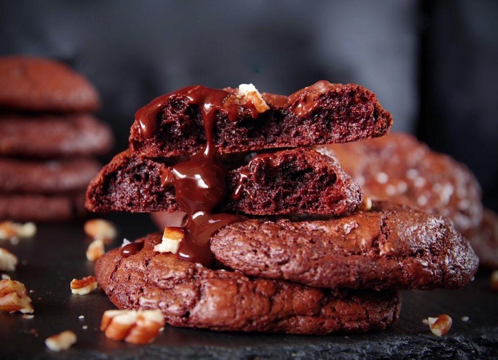 עוגיות פאדג' שוקולד ופקאן ללא גלוטן