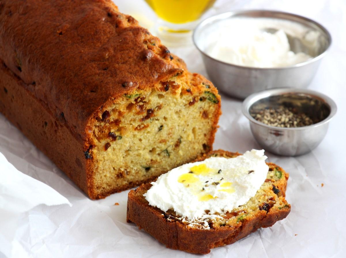 לחם מהיר של פולנטה ובצל מקורמל