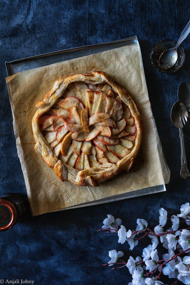 apple cinnamon almond galette-1-15-01448684986..jpg
