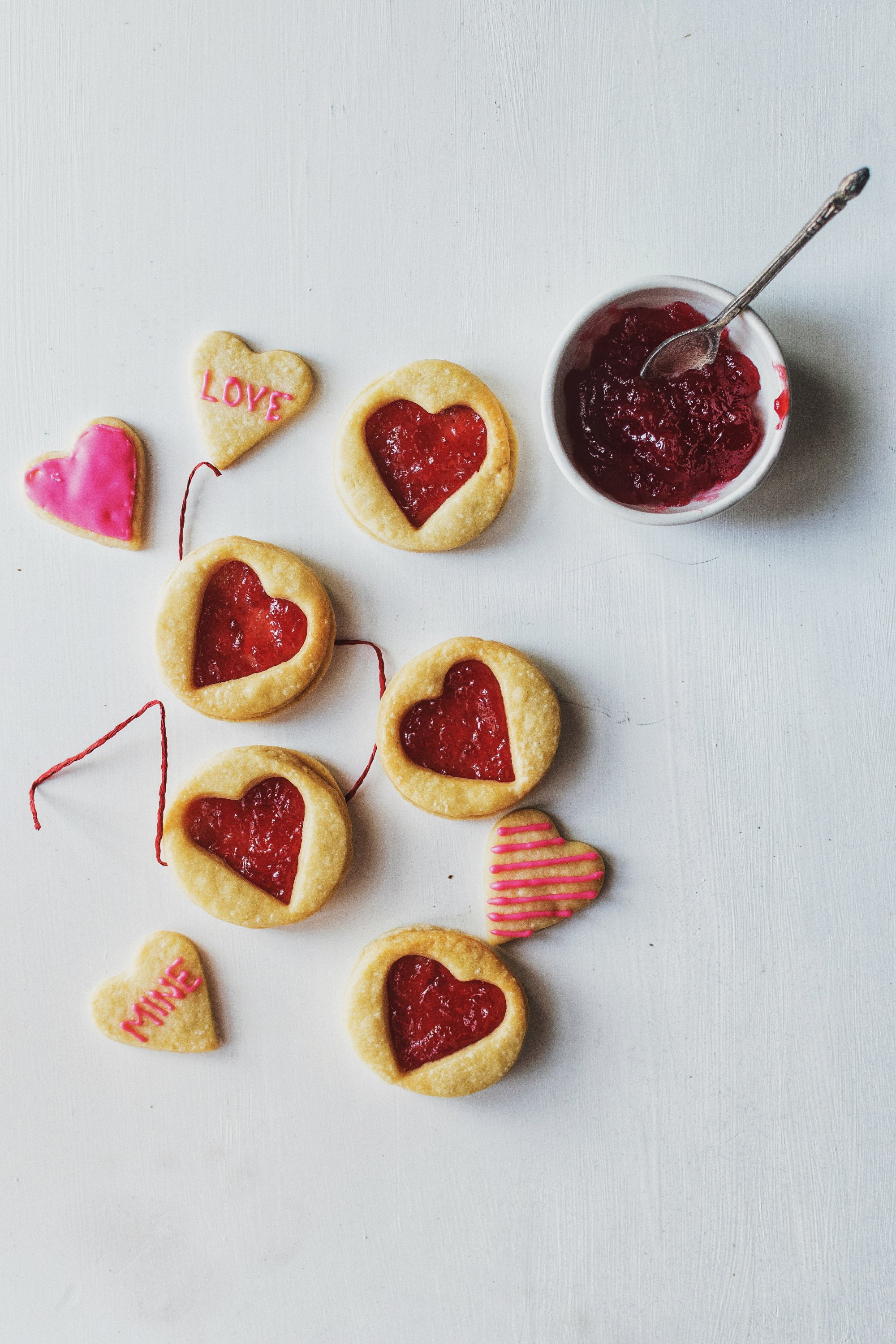 Golden Matcha shortbread cookies + Happy Valentine's.