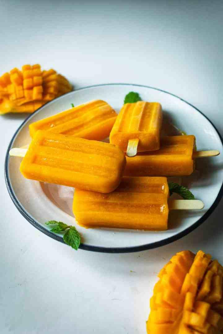 mango popsicles blog-7-01294510720..jpg