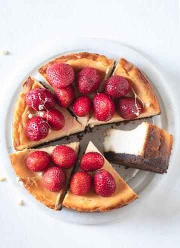white chocolate and saffron cheesecake