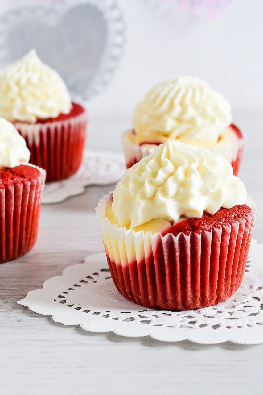 Red Velvet Cheesecake Cupcakes Bakes By Chichi