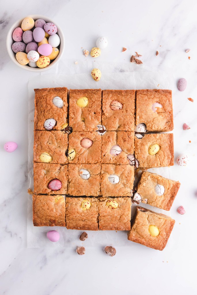 Mini Easter Eggs Blondies