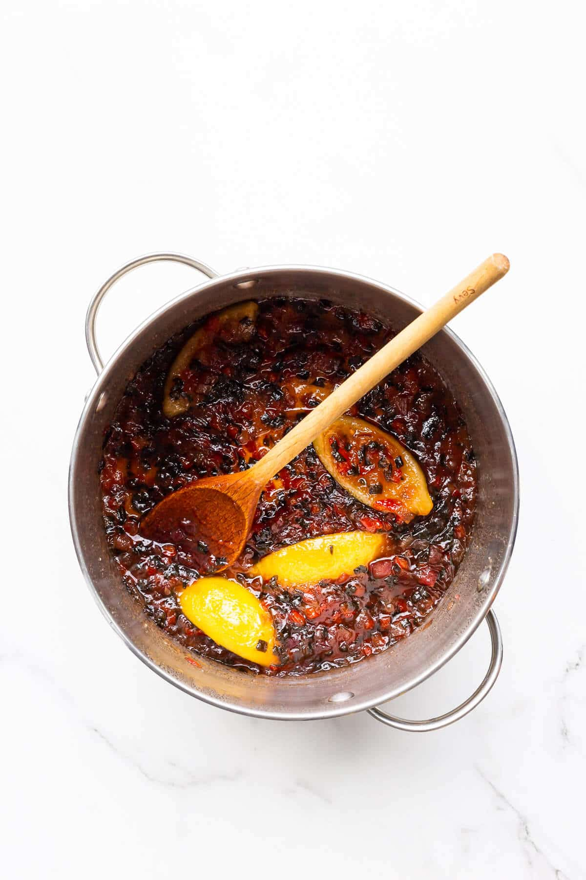 A pot of jalapeño jam ready to be transferred to jars.