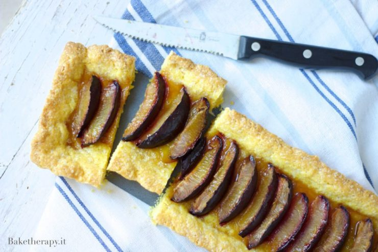 Crostata all'olio con susine