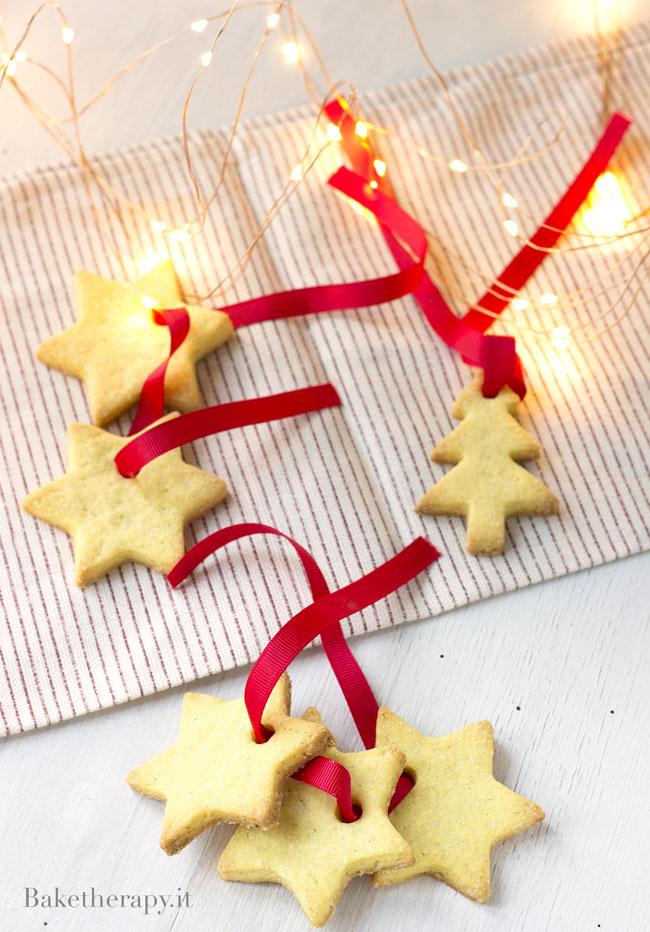 Biscotti per decorare l'albero di Natale