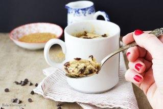 Mug cake con gocce di cioccolato