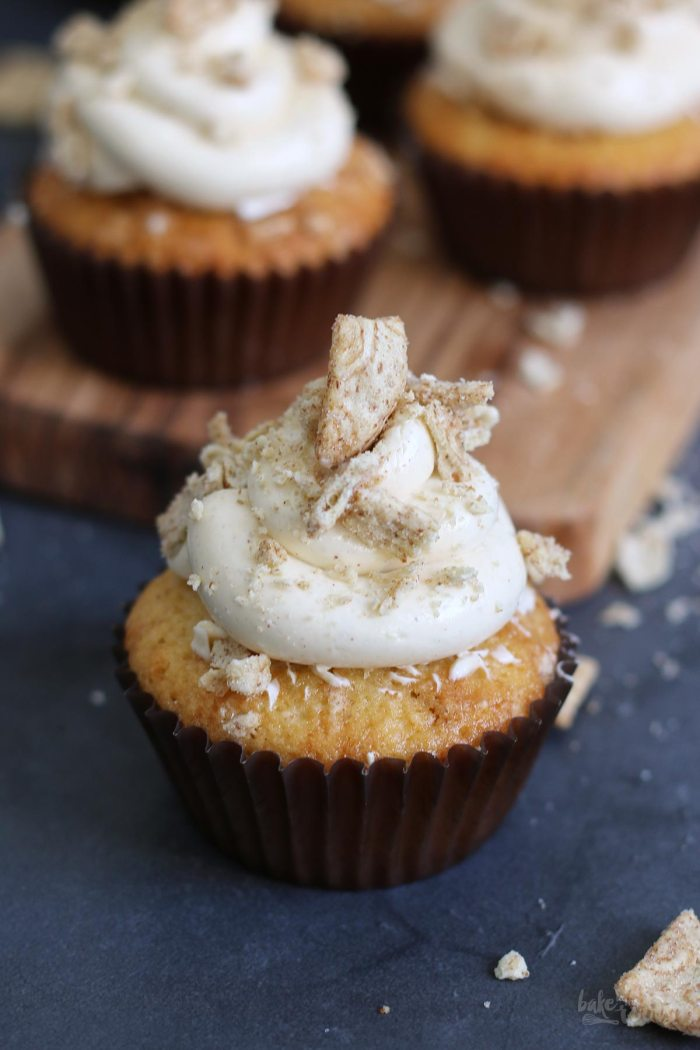 Cinnamon Crunch Cupcakes | Bake to the roots