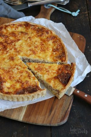 Onion Quiche with Bacon and Cheese