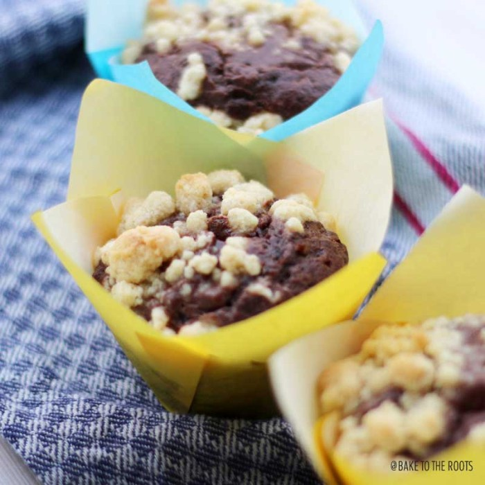 Chocolate Nougat Cheesecake Streusel Muffins | Bake to the roots