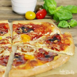 Chorizo Pizza | Bake to the rootsChorizo Pizza | Bake to the roots