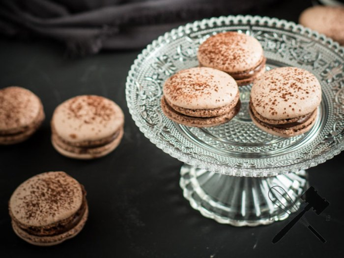 schokoladen macarons mit cremiger ganache cookie friday mit law of baking bake to the roots. Black Bedroom Furniture Sets. Home Design Ideas