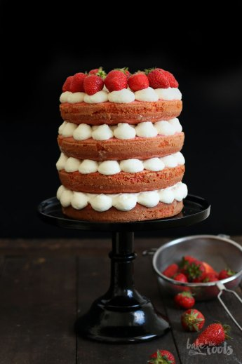Naked Strawberry Cake   Bake to the roots