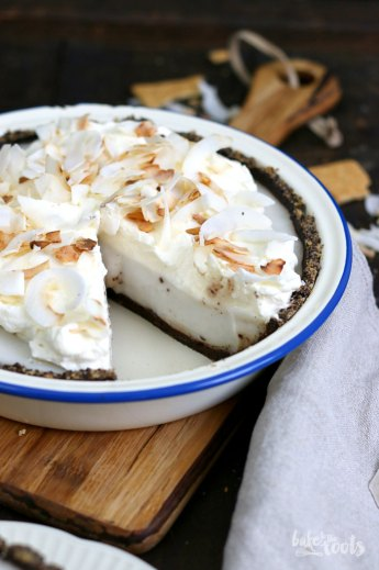Chocolate Coconut Cream Pie | Bake to the roots