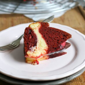 Red Velvet Cheesecake Bundt Cake   Bake to the roots