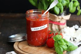 Best Pizza Sauce EVER   Bake to the roots