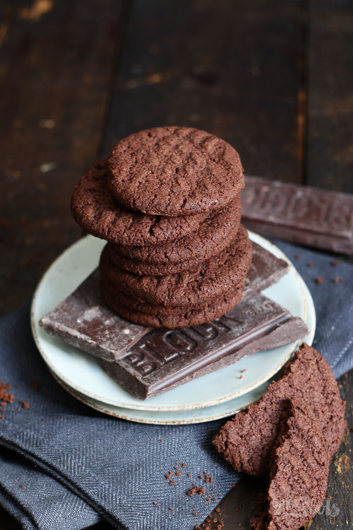 Chocolate Espresso Bisquits | Bake to the roots