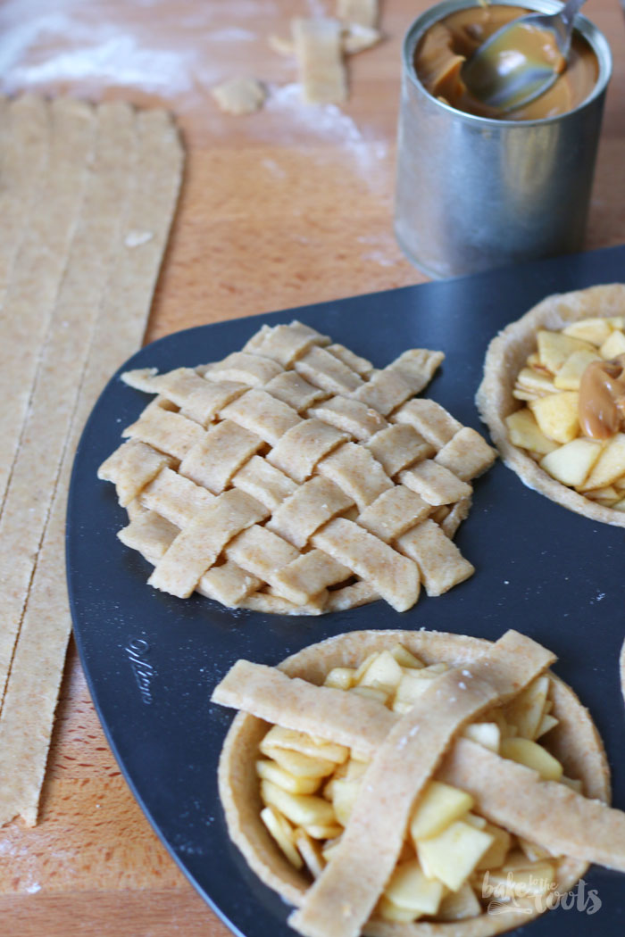 Mini Caramel Apple Pies | Bake to the roots