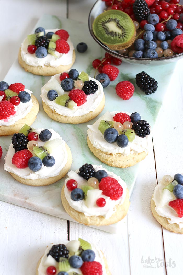 Mini Cookie Fruit Pizza | Bake to the roots