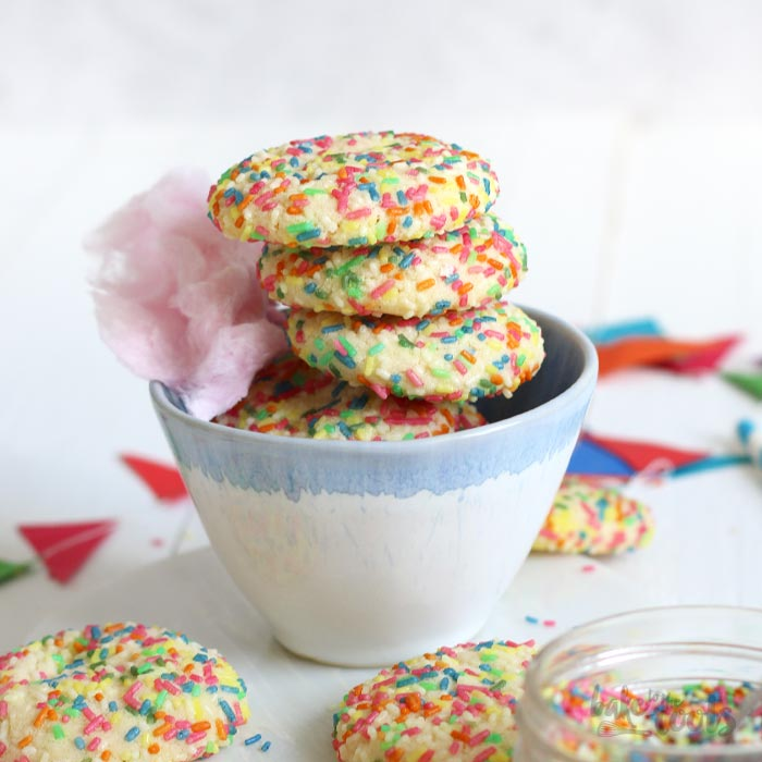 Easy Funfetti Cookies | Bake to the roots