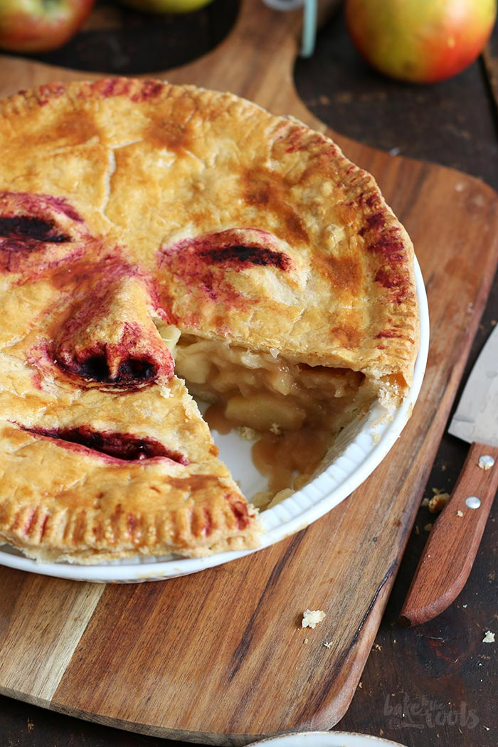 """Halloween Apple Pie """"Face/Off"""" 