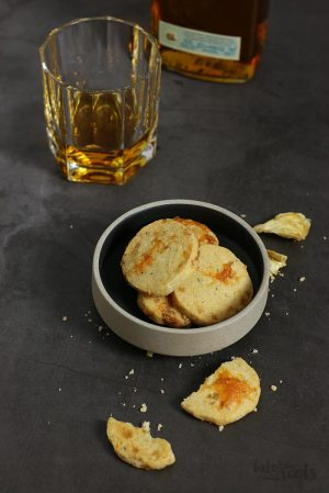 Shortbread with Cheese and Pineapple