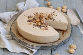 Amarettini Mousse Torte | Bake to the roots