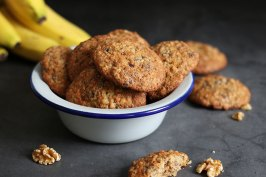 Banana Walnut Chocolate Chunk Cookies | Bake to the roots