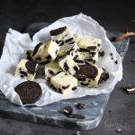 Cookies 'n' Cream White Chocolate Fudge | Bake to the roots