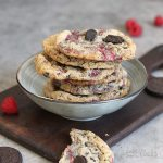 Raspberry Cookies 'n' Cream Cookies | Bake to the roots