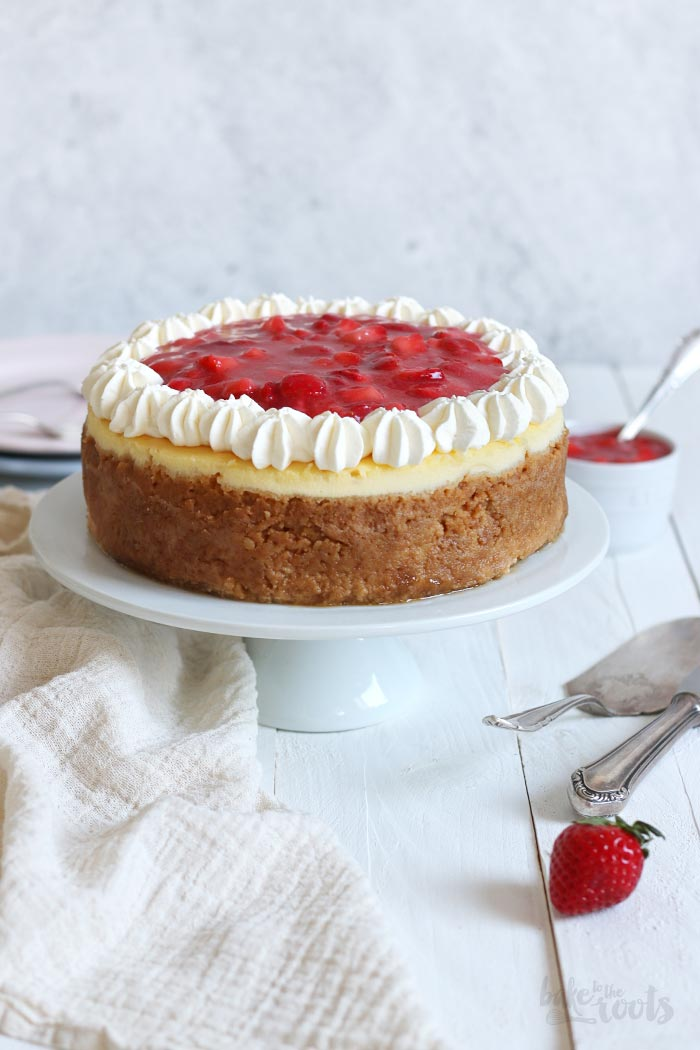 Strawberry Cheesecake | Bake to the roots