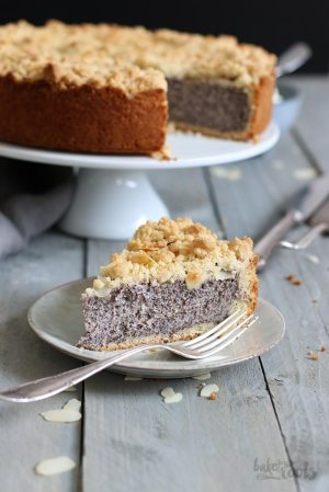 Classic German Poppy Seed Streusel Cake