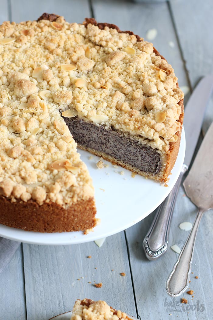 Klassischer Mohnstreuselkuchen | Bake to the roots