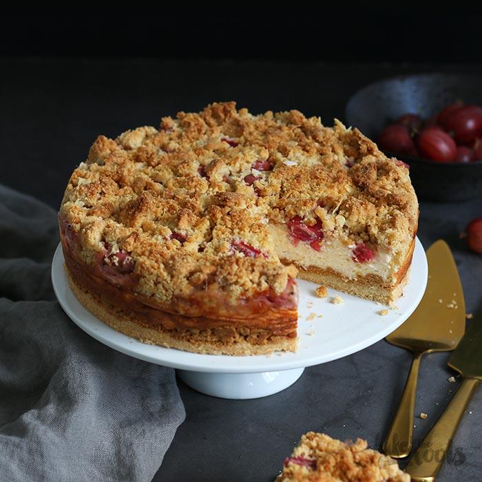 Stachelbeerkäsestreuselkuchen | Bake to the roots
