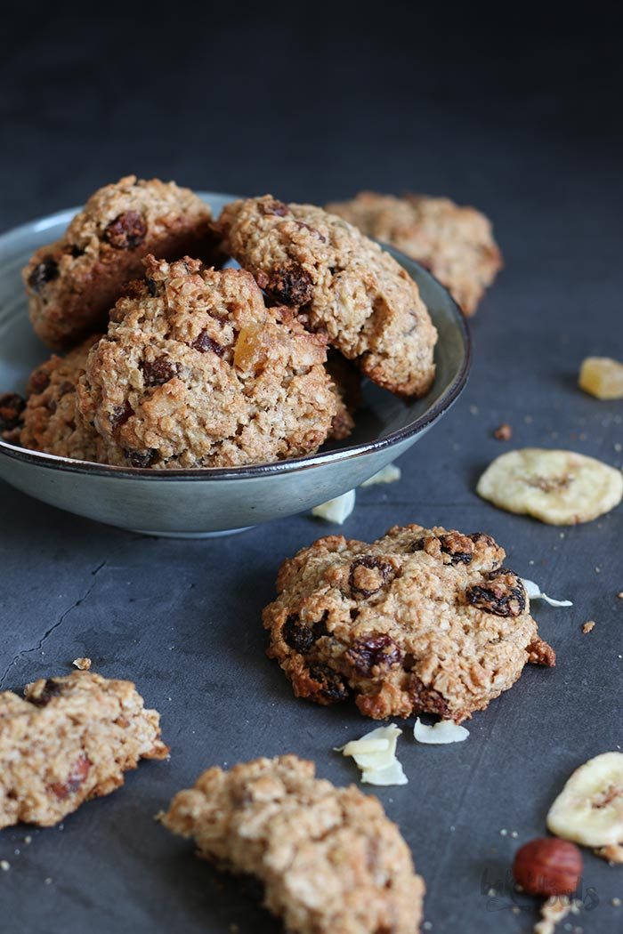 Breakfast Cookies | Bake to the roots