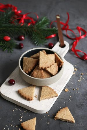 Gingerbread Shortbread Cookies