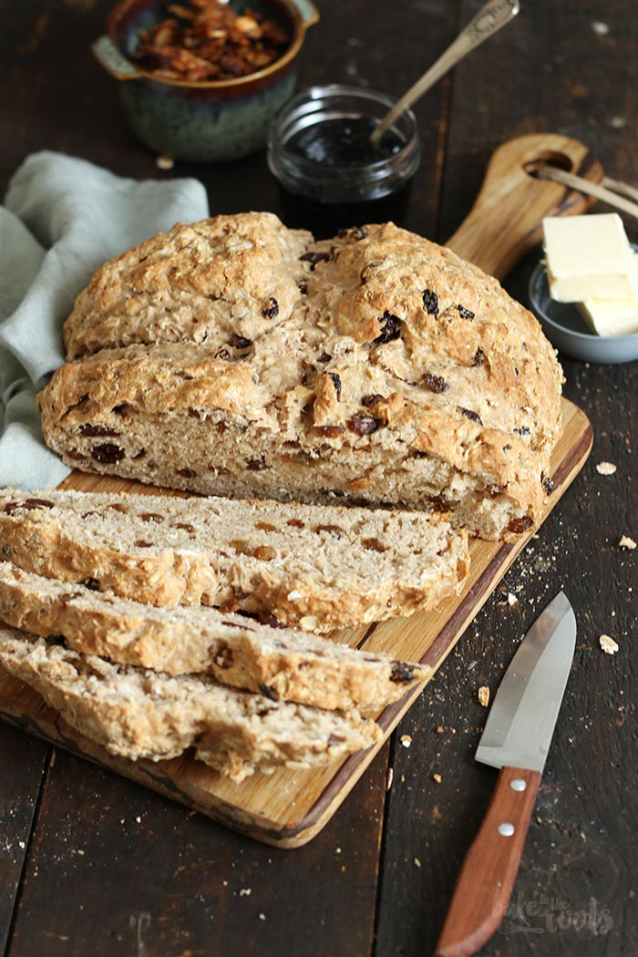 Irish Soda Bread with Raisins and Cranberries | Bake to the roots