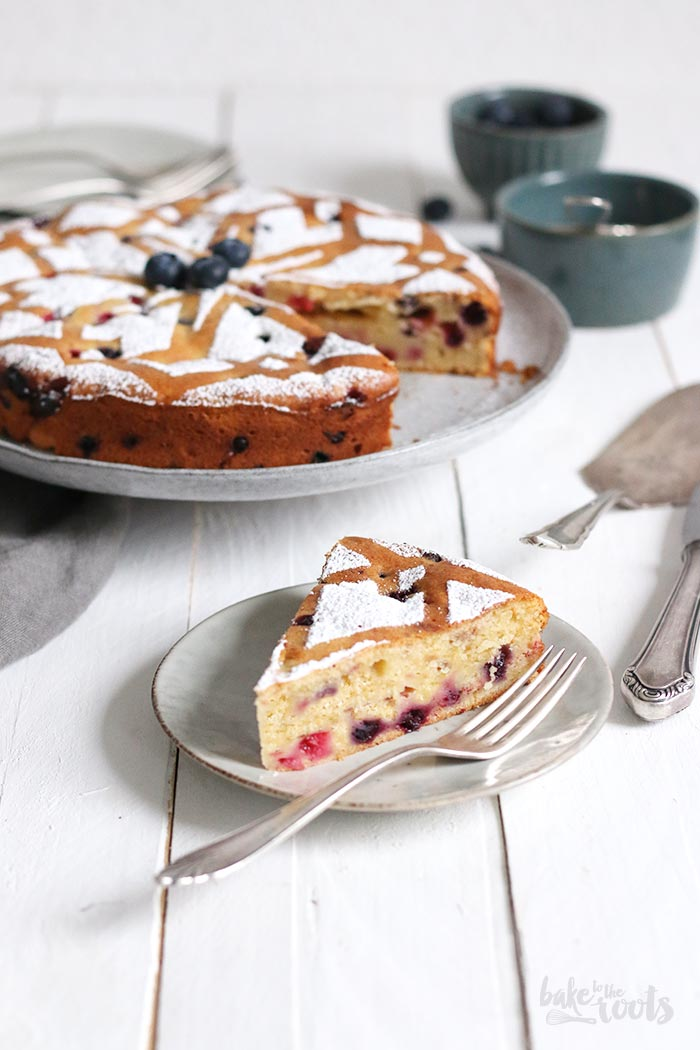 Einfacher Joghurt Beeren Kuchen | Bake to the roots