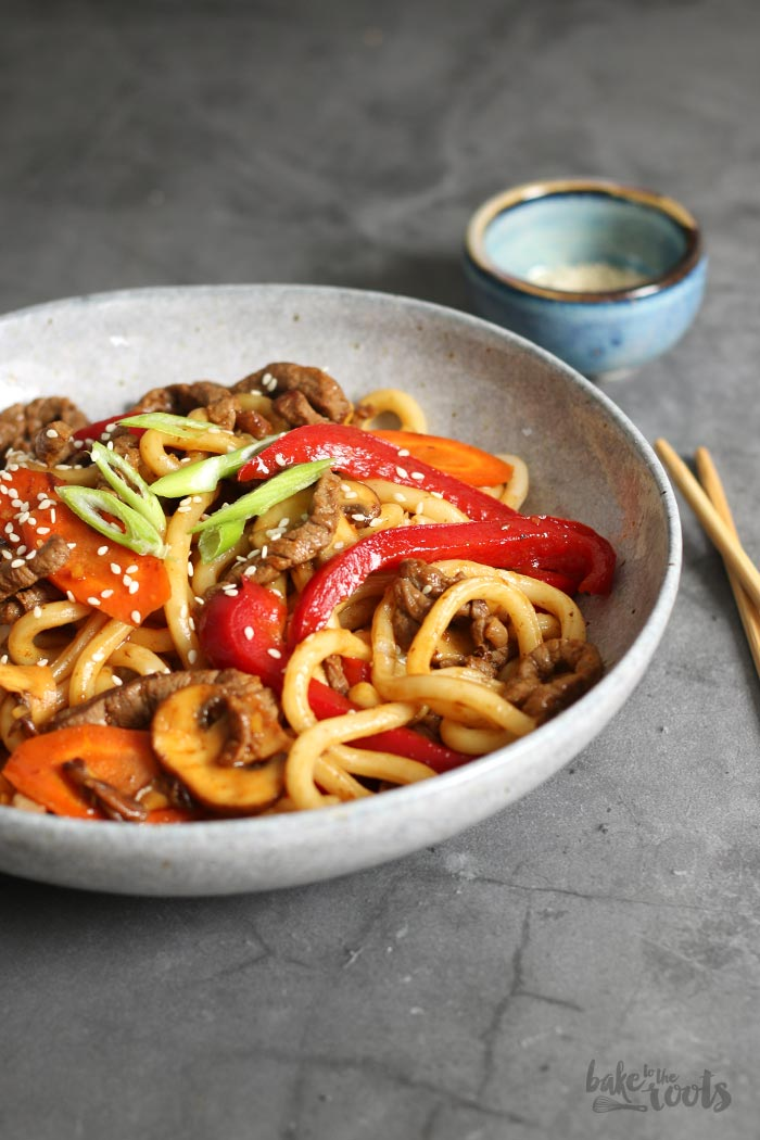 Asiatische Udon Rindfleischpfanne | Bake to the roots