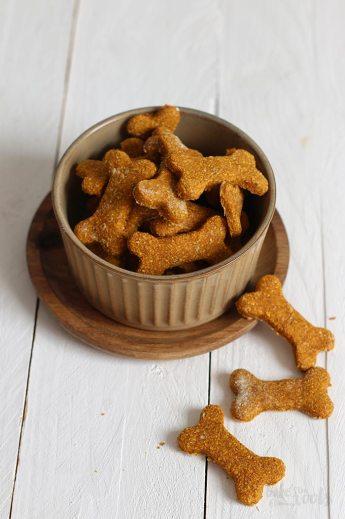Hundekekse mit Karotten und Kartoffeln | Bake to the roots