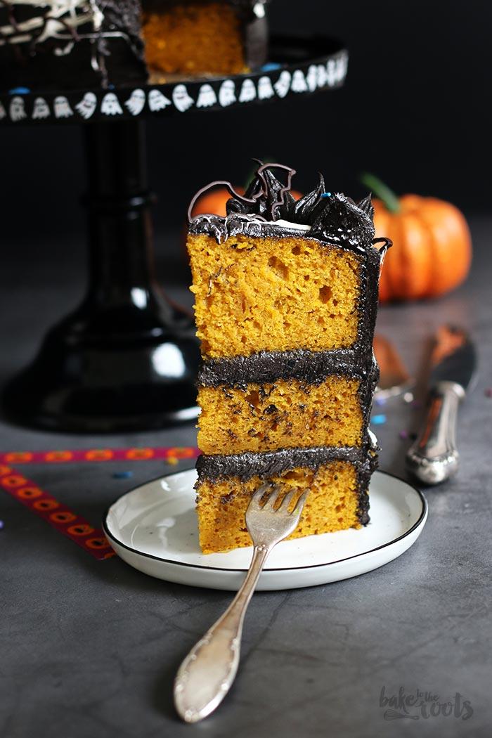 Halloween Spiderweb Pumpkin Chocolate Cake | Bake to the roots