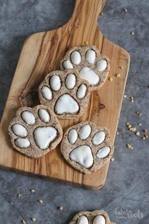 Almond Bear Paws