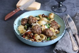 Pasta with Meatballs, Mushrooms, and Kale | Bake to the roots