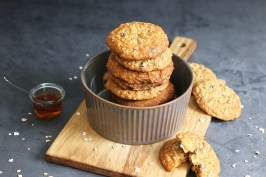 Honey Oatmeal Chocolate Chip Cookies | Bake to the roots