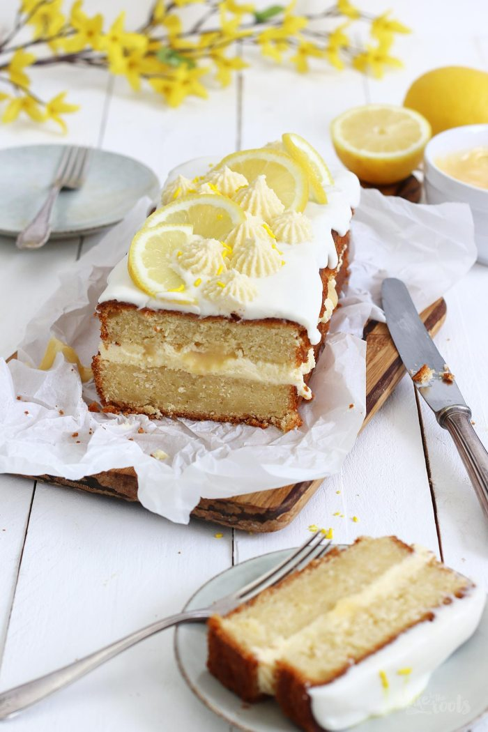 Buttermilk Lemon Pound Cake with Lemon Curd | Bake to the roots
